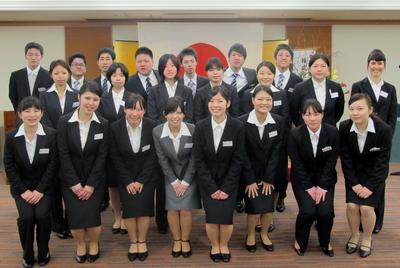 2012新入社員全員.jpg