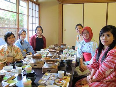 海外インターン生が日本文化を体験しました。