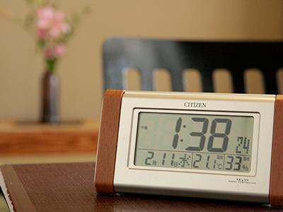 お部屋の時計.jpg