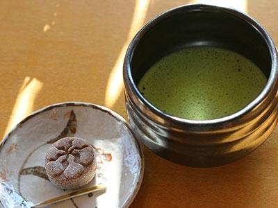 兵衛向陽閣-朝の抹茶サービス.jpg