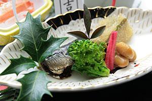 兵衛向陽閣-旬の味2016_春の前菜 鰯梅煮.jpg