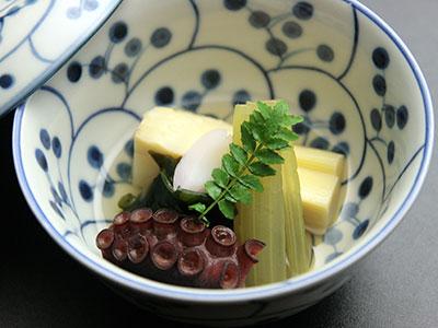 兵衛向陽閣-旬の味2016_若竹煮.jpg