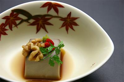 旬の味『丹波黒豆豆乳豆腐』